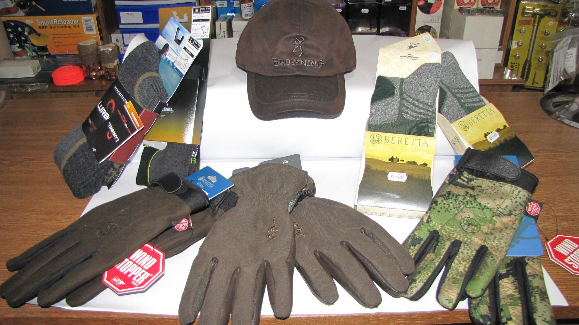 Complementos: Guantes, calcetines, gorras